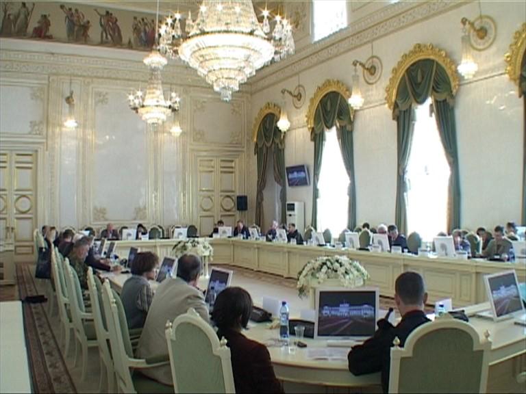 Конференция в Белом зале  Мариинского дворца (Законодательное Собрание Санкт-Петербурга)